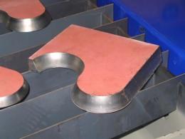 Vzorka úkosového rezania plazmou na stroji MicroStep