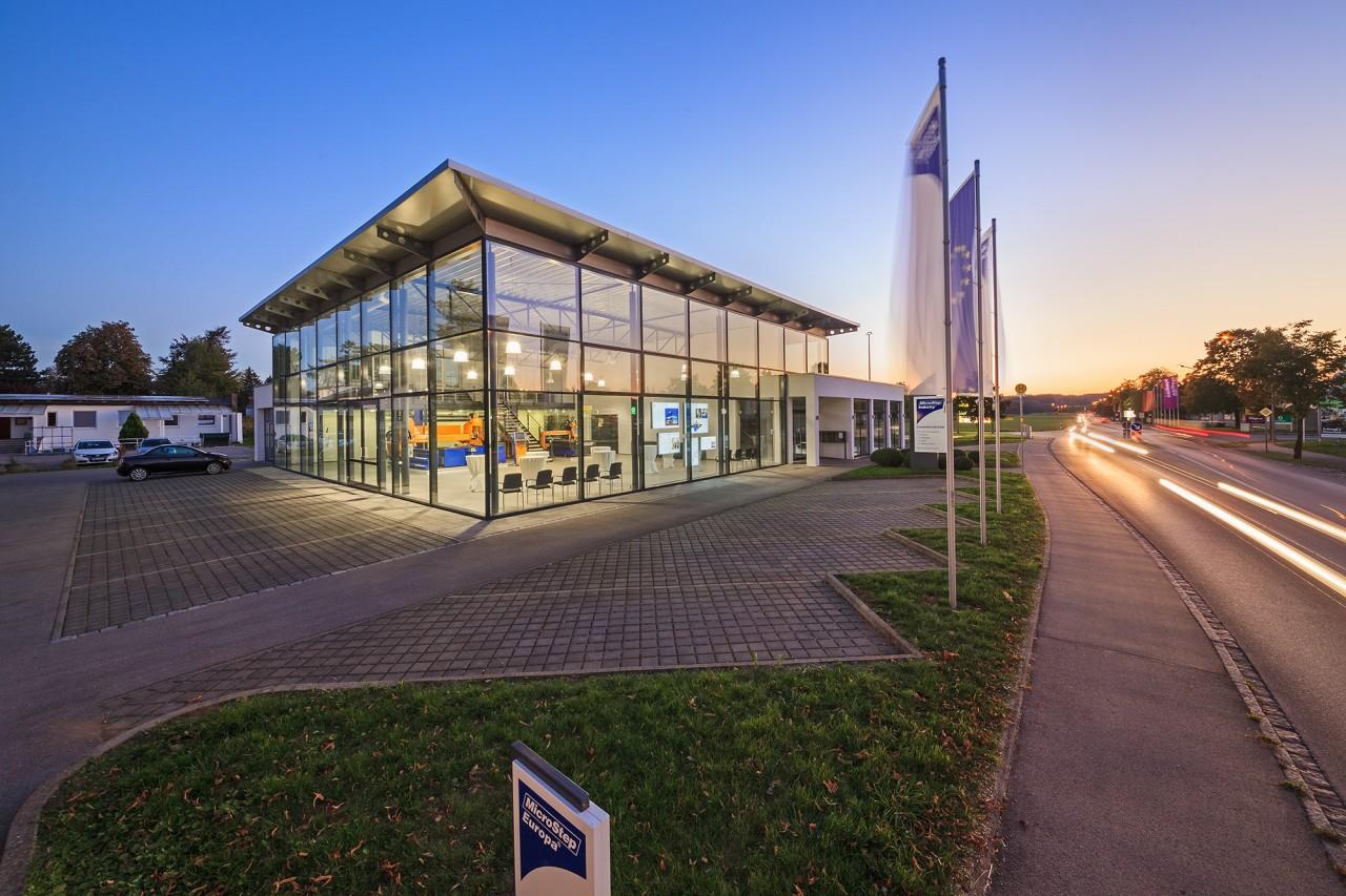 Novootvorený showroom MicroStep CompetenceCenter® v centrále MicroStep Europa GmbH v Bad Wörishofen, Nemecko.